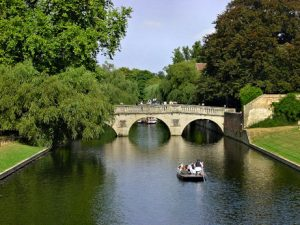 Clare Bridge; view north from King's College (Photo Wikipedia, Ed g2s)