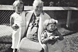 Great-grandma Lovisa, Mona and me