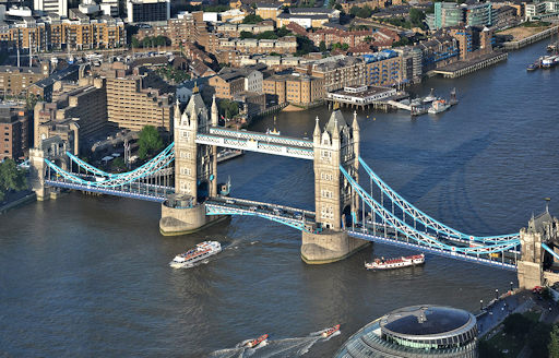 Aerial view of Tower Bridge (Wikipedia, Bob Collowân)