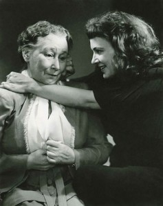 Antigone (Gun Robertson) and the Nurse (Jullan Kindahl)