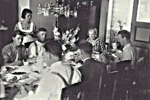 A somewhat festive dinner (gladioles on the table) at Knällsberg. Aunt Sigrid is at the right end of the table with Gun next to her. I am sitting squeezed in between two of Aunt Sigrid's grown-up sons.