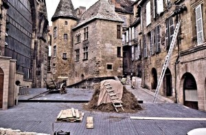 Sarlat -- a 'spectacle' is being prepared in the street
