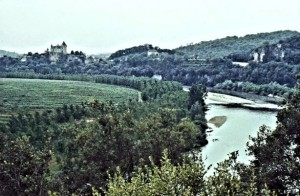 Le Dordogne, the river itself - probably the greenest region in France