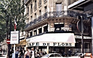 Le Café Flore just one block west from 'Les deux magots', both in the heart of Saint-Germain des Prés in the 6ème. Seein the cars parked right in front of 'Café Flore' and 'Les deux magots' makes me smile. Those days are long gone when you could park your car at the curb and skip in for un café.