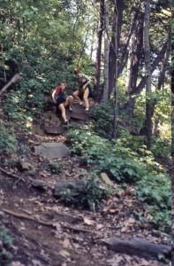 Kajsa & Siv climbing down awkwardly in the Palisades National Park