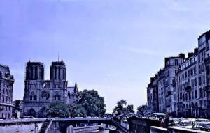 La Catédrale de Notre Dame and le Pont Notre Dame that goes over to 'la rive gauche'.